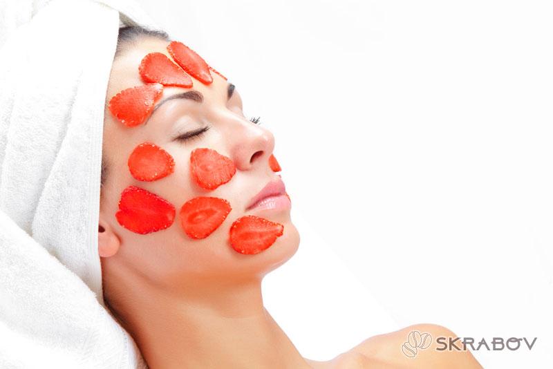 Омолаживающие маски для лица из клубники: лучшие рецепты 1-2