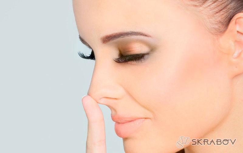Можно ли выдавливать черные точки на носу: опасения и рекомендации 8-4